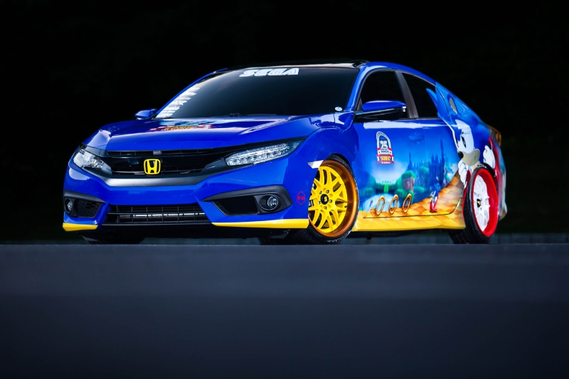 "Honda Debuts Custom-Designed ""Sonic Civic"" at Comic-Con; Joins ""Sonic the Hedgehog(TM)"" and SEGA(R) in Celebrating the Iconic Game's 25th Anniversary (PRNewsFoto/Honda)"